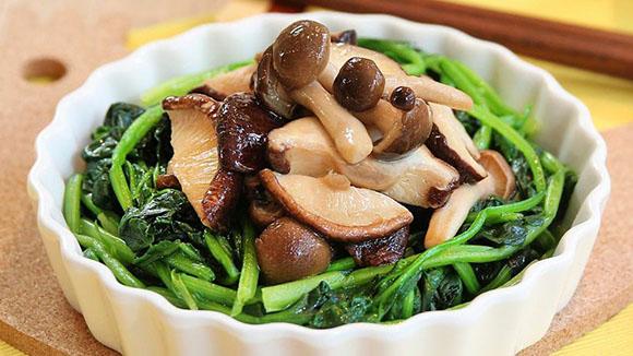 雜菌炒菠菜