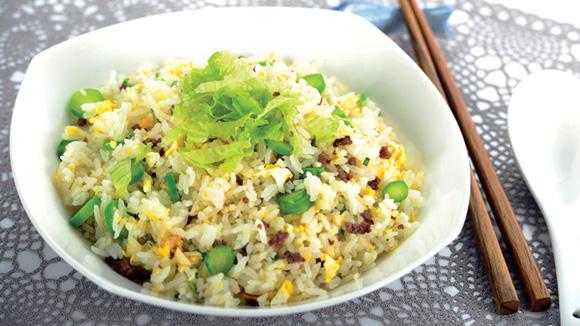 脆米肉鬆炒飯