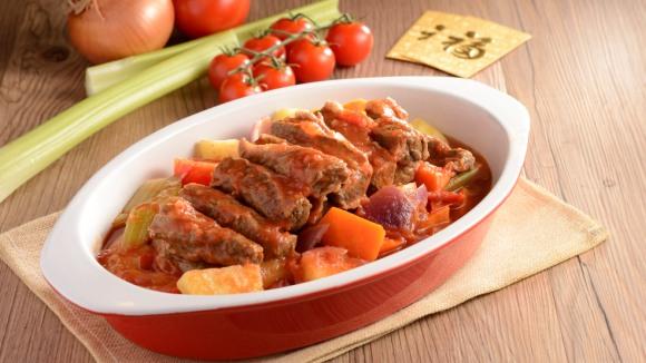 鮮茄濃湯燴牛尾