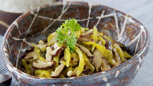 香菇炒酸菜