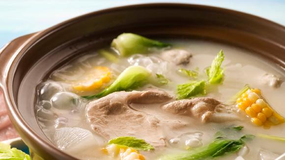 蘿蔔豬骨火鍋湯底