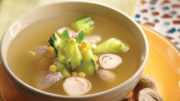草菇粟米勝瓜雞湯