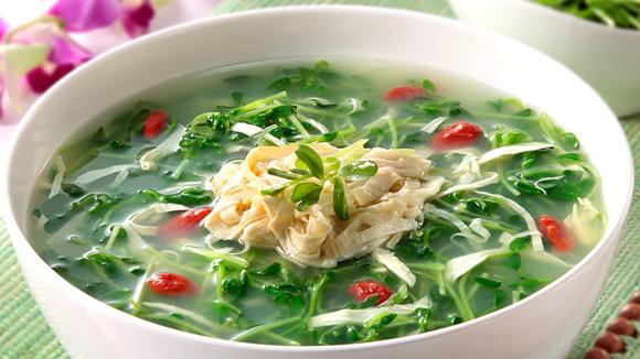 鮮竹翡翠豆苗雞湯