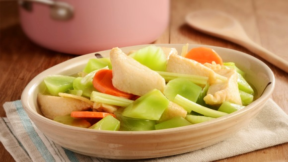 魚角濃湯燴萵筍