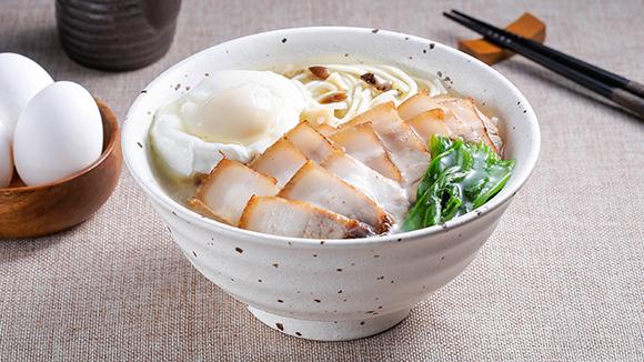 燒肉蛋包湯麵
