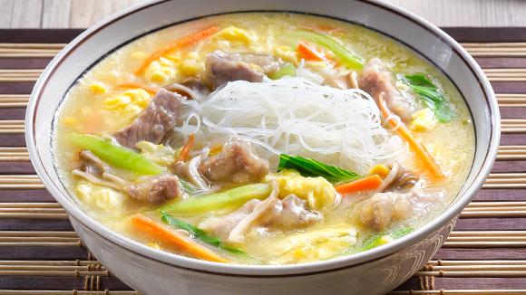 雞蓉玉米赤肉羹米粉