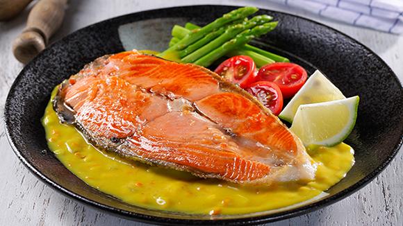 香檸薑黃醬鮭魚