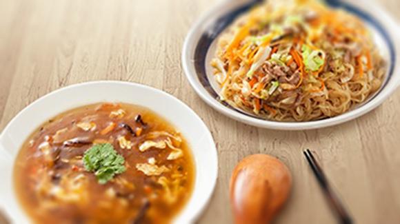 肉絲炒麵+港式酸辣濃湯