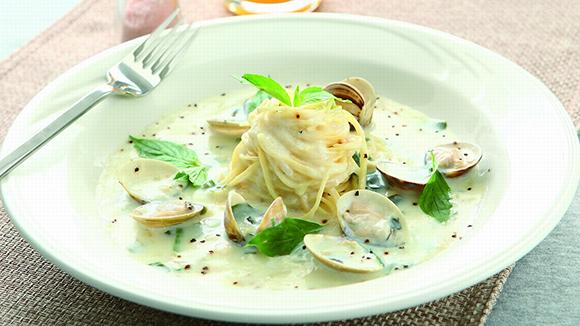 銀魚蛤蜊義大利麵