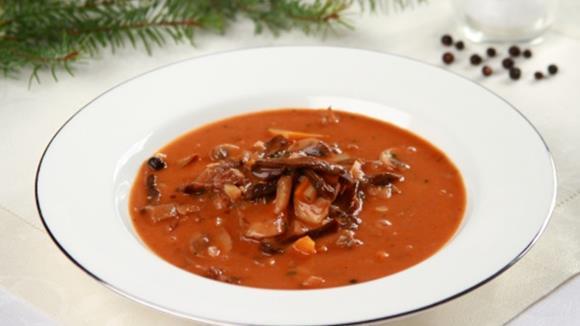 Rindssuppe mit roten Bohnen