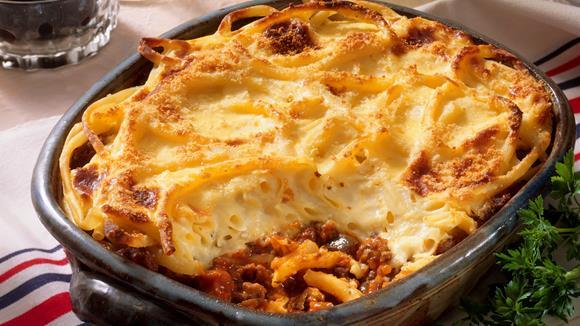 Makkaroni-Fleisch-Auflauf mit Zucchini