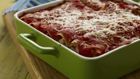 Cannelloni mit Linsen-Ricottafüllung und Bolognese-Sauce