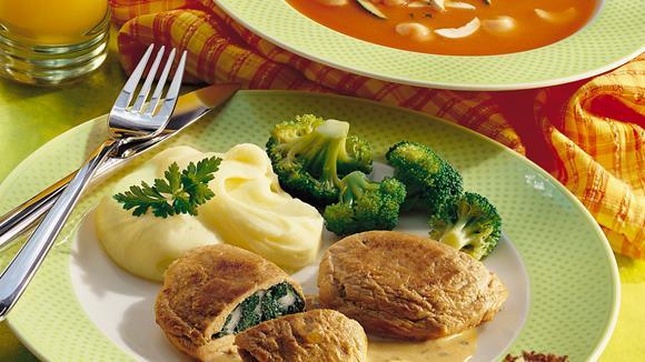 Gefüllte Schnitzeltascherl mit Spinat und Mozzarella