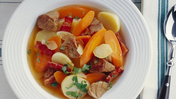 Irish Stew (Irischer Eintopf) mit Lamm und Gemüse