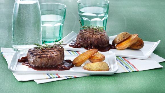 Rindsfilet mit Feigensauce und Rosmarinkartoffeln