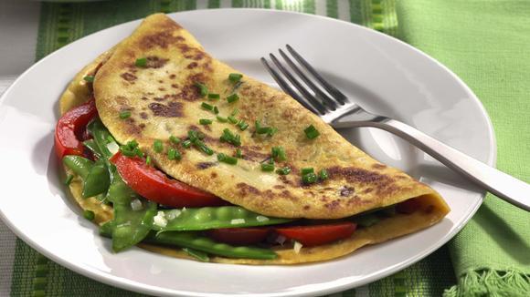Sommer-Omeletten mit Peperoni und Kefen