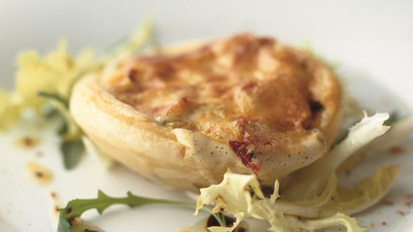 Lauwarme Artischocken-Tomaten-Zuchetti-Tarte