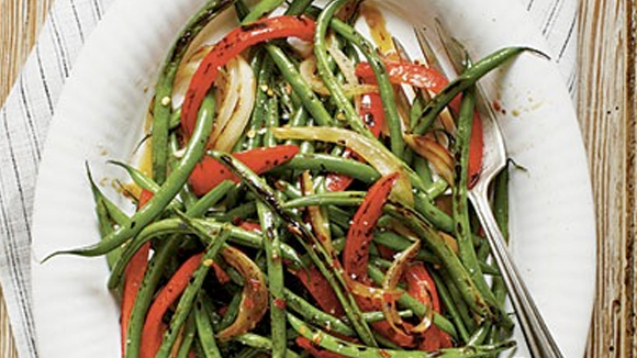 Caramelized spicy green beans