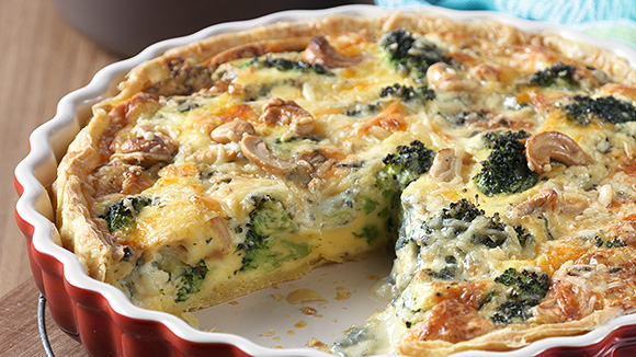 Quiche broccoli met cashews en blauwe kaas
