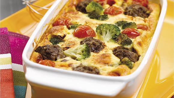 Clafoutis met rundvlees, kerstomaten en broccoli