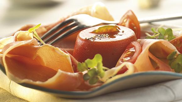 Tomatentorentjes met kaneel en ham