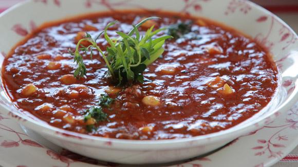 Томатный суп скукурузой